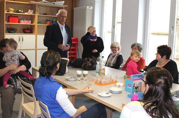Kommune hautnah: Bürgermeister Günther Werner mit Eltern im MGH