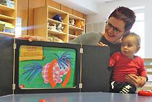 Kamishibai mit Angelika Kessler im begleiteten Elterntreff am Donnerstag
