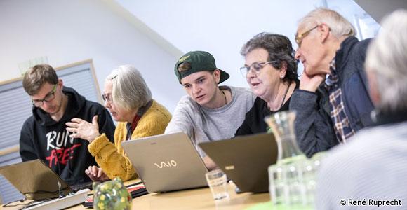 Zusammenkommen und voneinander lernen: Die Bundestagsabgeordnete Sabine Dittmar findet, dass Mehrgenerationenhäuser wie das in Haßfurt gute Arbeit leisten. Foto: René Ruprecht/MGH