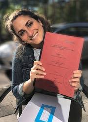 Sose Baghumyan mit ihrer Bachelor-Arbeit